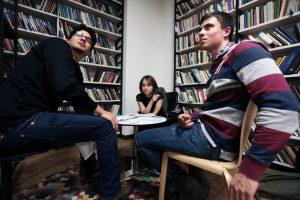 Встреча с исследователем и писателем Алексеем Исаевым состоялась в библиотеке №12 имени Ивана Бунина. Фото: «Вечерняя Москва»