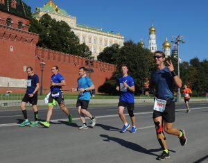 Самые активные, самые спортивные: на Московском марафоне побежит команда активных граждан. Фото: Александр Кожохин, «Вечерняя Москва»
