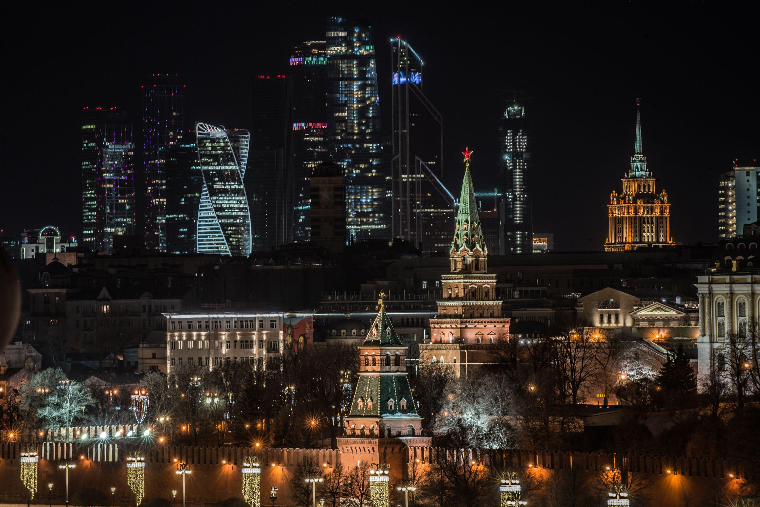 Москве час в ночи стоимость москве продать часы в наручные бу