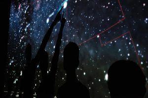 Онлайн-выставку астрофотографий организовали сотрудники Московского планетария. Фото: Максим Аносов, «Вечерняя Москва»