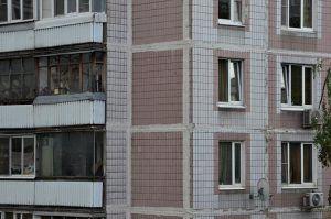Специалисты проведут капитальный ремонт дома в районе. Фото: Анна Быкова