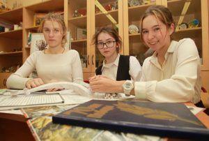 Выставку к 78-й годовщине Битвы за Москву открыли в районной школе. Фото: Наталия Нечаева, «Вечерняя Москва»
