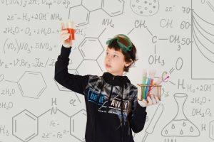 Занятие по химии проведут в Биологическом музее онлайн. Фото: pixabay.com